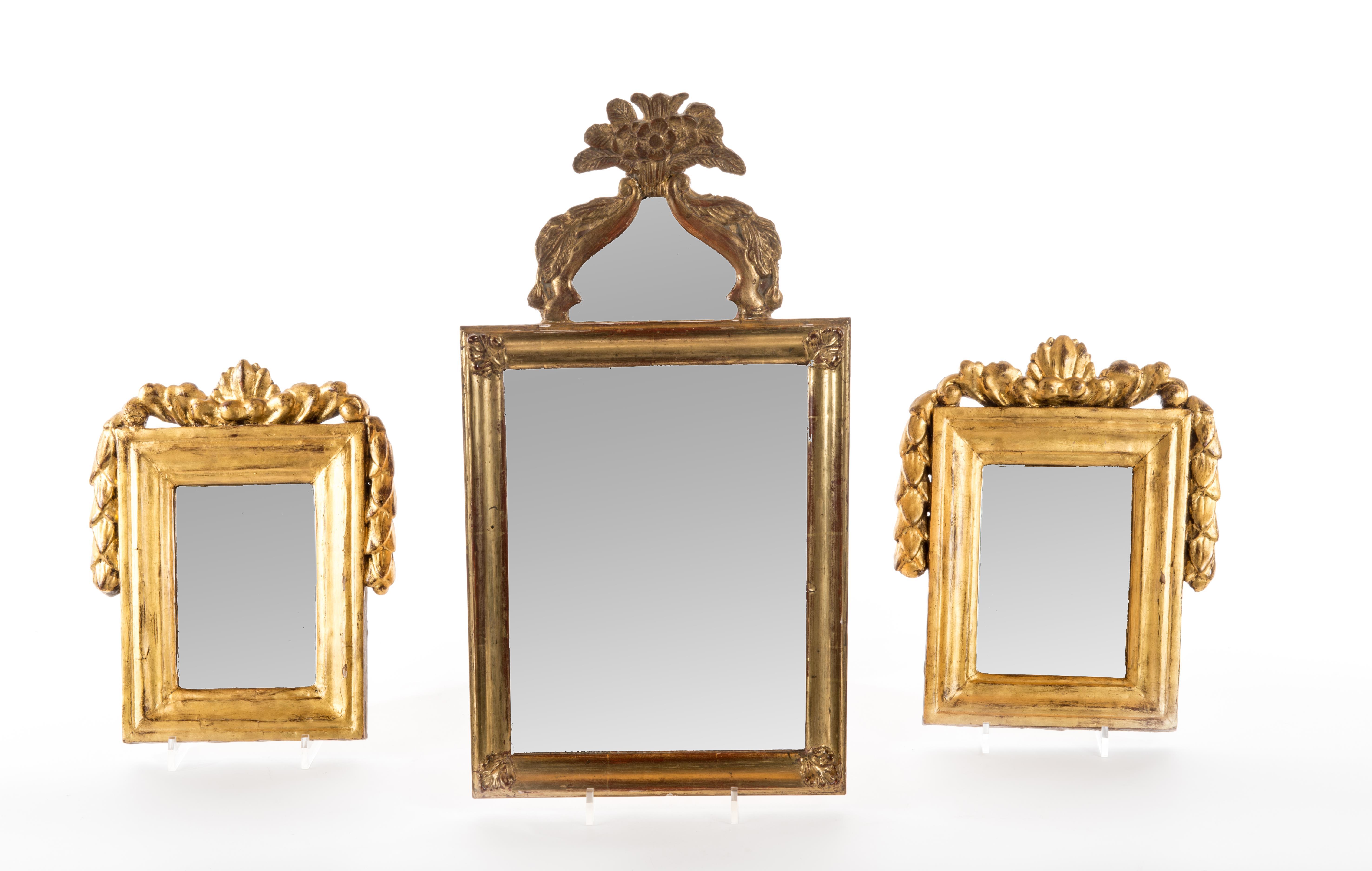 3 miroirs rectanguleires à cadre en bois doré