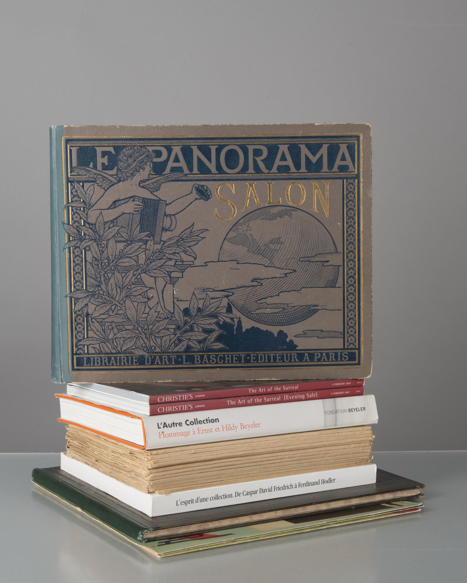 lot de livres sur l'univers des collectionneurs