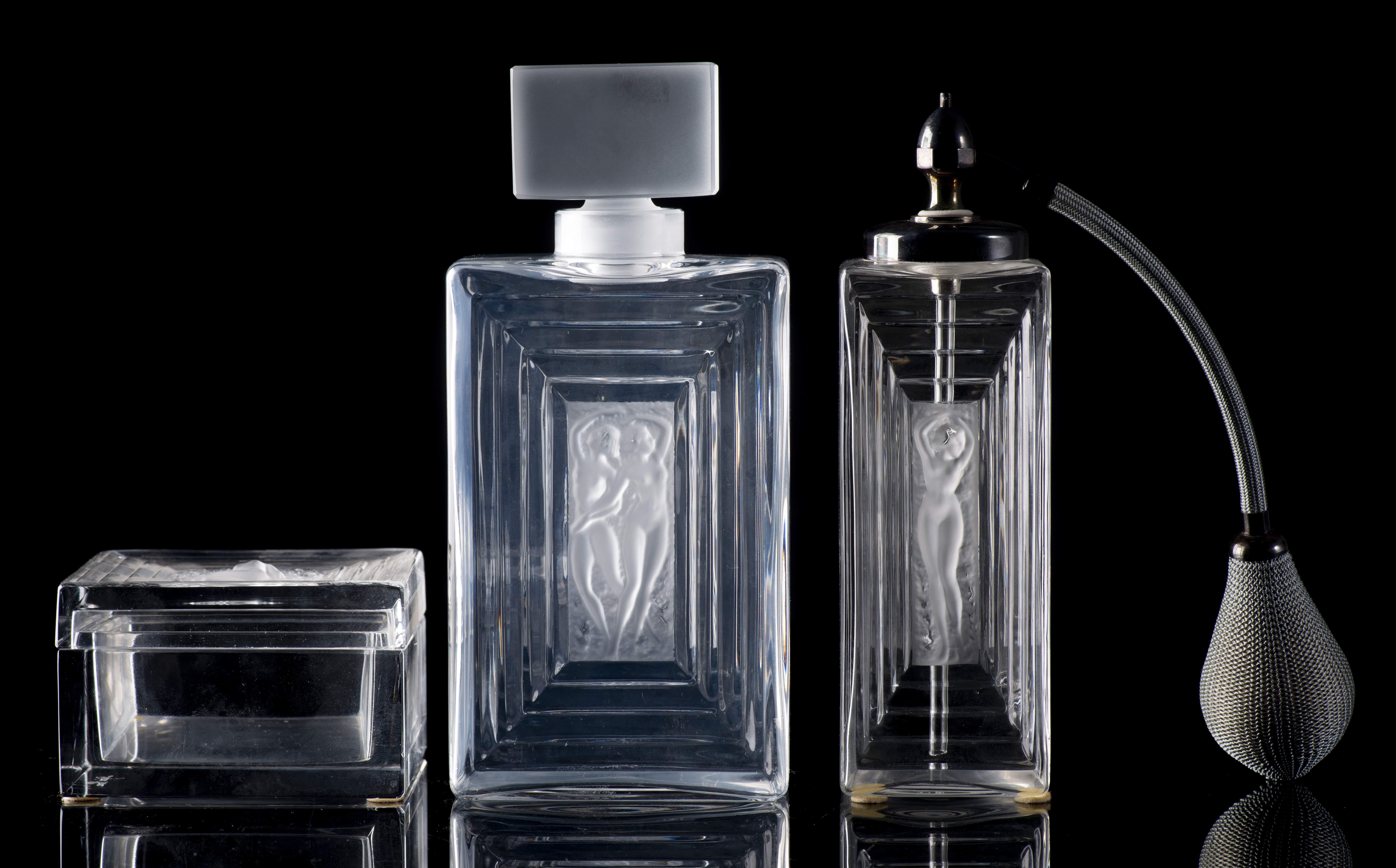 Lalique, service de toilette en cristal modèle Duncan - LotSearch.de
